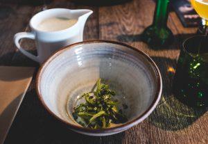 Soupe d'asperge et oeuf poché