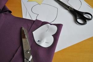 Découper les formes dans le tissus