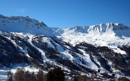 Domaine skiable de Vars, vu depuis la piste des Mélèzes