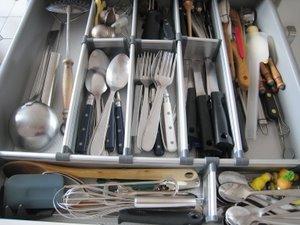 Tiroir bien rangé avec les cloisons de tiroirs IKEA