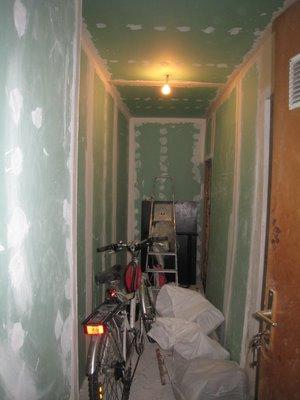Les plaques de plâtres sont posées, même au plafond