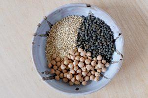 Quinoa, lentilles, pois chiche