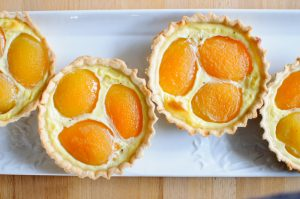 Tartelettes à l'abricot et fève tonka
