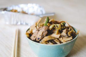 Wok légumes, nouilles et sauce haricot noir